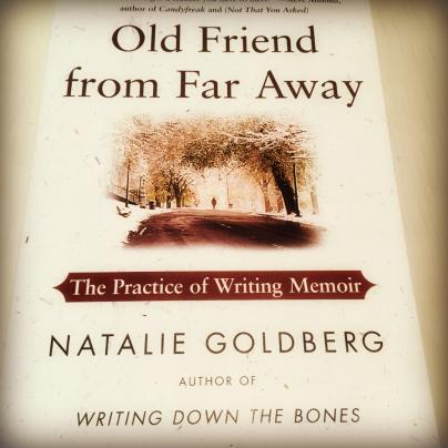 Bog af Natalie Goldberg fra mit skrivebibliotek der hjælper med ideer til at skrive erindringsglimt