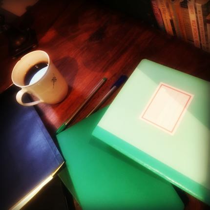 skriver morgensider til kaffen